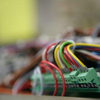 assemblaggio-scheda-elettronica