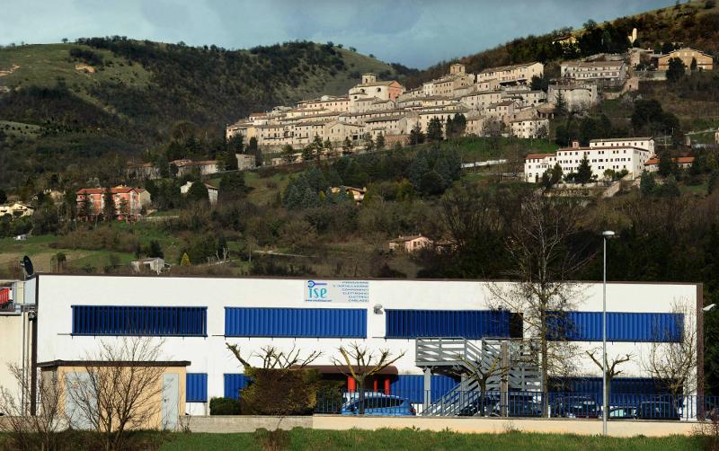 Esterno stabilimento ISE: produzione cablaggi industriali